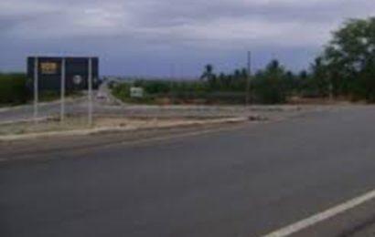 """Homem é preso após dar """"cavalo de pau"""" em frente de viatura policial em Delmiro Gouveia"""